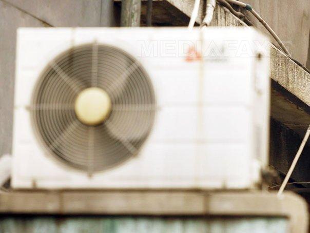 Imaginea articolului Care este temperatura potrivită la care trebuie setat aerul condiţionat pe timp de CANICULĂ