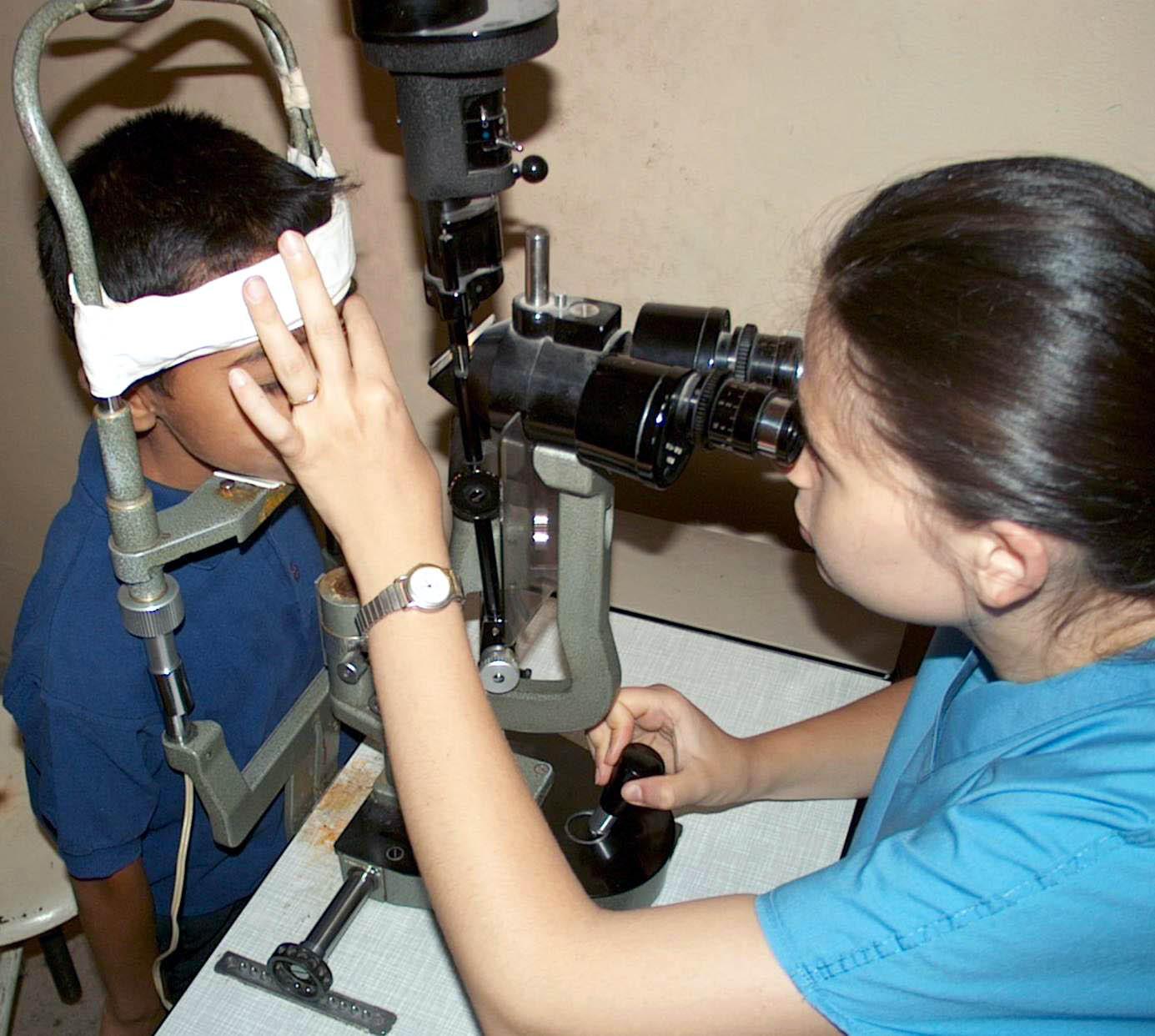 Primaria Municipiului Bucureşti: Consultaţii oftalmologice gratuite pentru copii pe toată perioada verii
