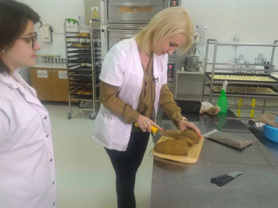 Imaginea articolului Pâine cu făină din seminţe de urzici şi pesto de urzici, invenţii ale studenţilor din Cluj | GALERIE FOTO
