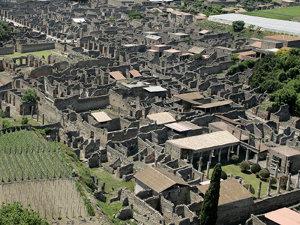 Guvernul italian declară stare de urgenţă la situl arheologic de la Pompei (Imagine: Mediafax/AFP)
