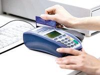 Plăţile cu cardul s-au dublat în doi ani, ajungând la 63 mld. lei în 2017, dar retragerile de la ATM sunt încă de trei ori mai mari