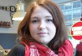Cine este tânăra activistă germană de 21 de ani care l-a atacat ieri pe cel mai puternic bancher din Europa. Galerie FOTO