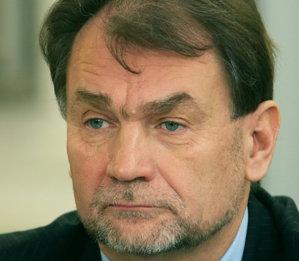 Cel mai bogat om din Polonia, cu afaceri şi în România,  a murit la 65 de ani, în urma unei operaţii eşuate