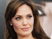 Angelina Jolie va fi profesoară la London School of Economics