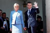 450 de euro: Atât a costat costumul pe care l-a purtat Emmanuel Macron la ceremonia de învestire în funcţia de preşedinte al statului francez. Ce vrea să demonstreze prin acest gest?