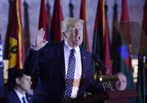 """Casa Albă consideră """"total ridicolă"""" solicitarea pentru demiterea lui Donald Trump"""