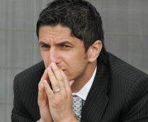 Patronul clubului de fotbal PAOK Salonic, unde antrenează Răzvan Lucescu a devenit miliardar: Compania lui de ţigări din Rusia a fost cumpărată de Japan Tobacco cu 1,6 miliarde de dolari