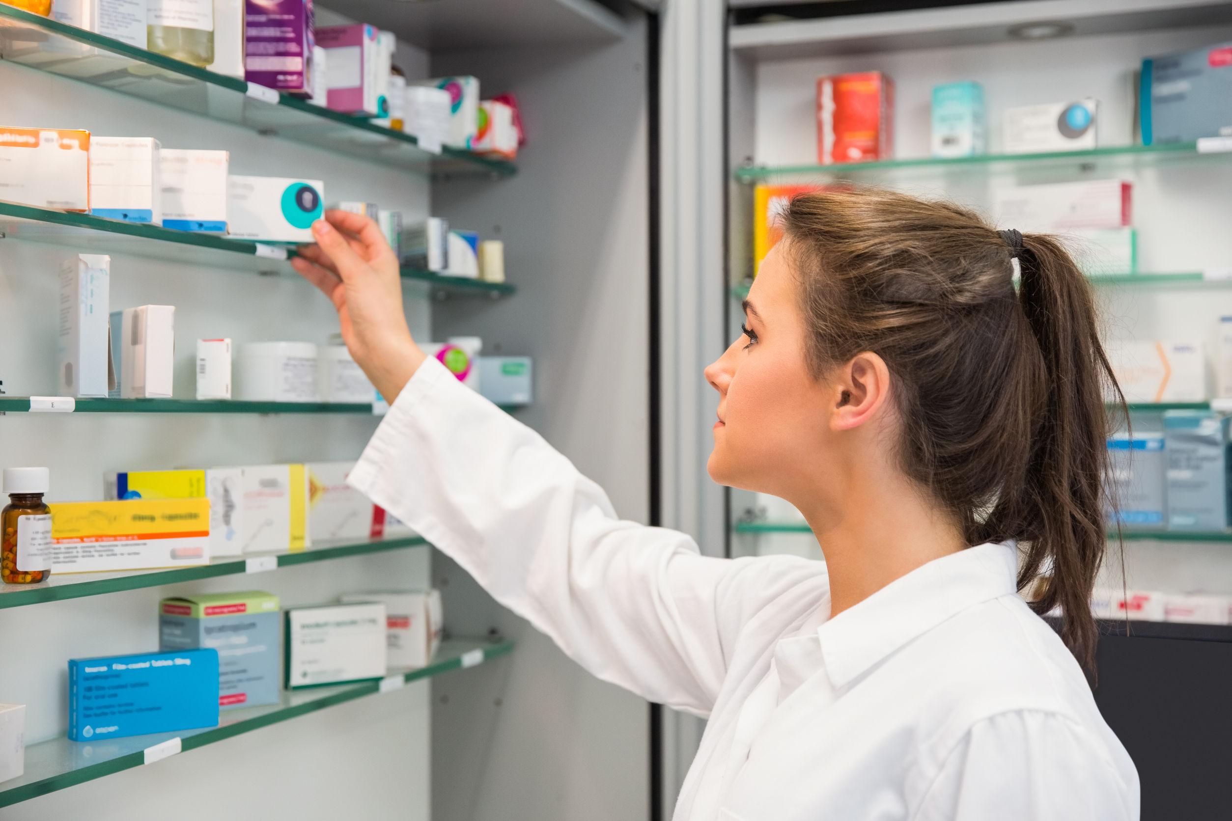 """Director din industria farmaceutică: Creşterea de 400% a preţului medicamentelor este """"o necesitate morală"""""""