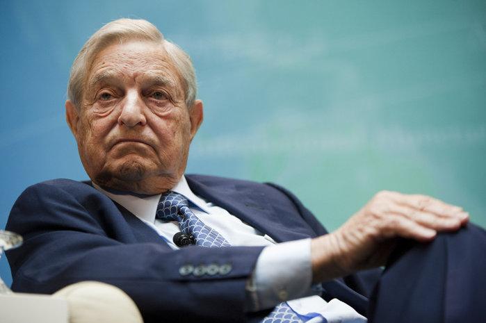 Cum arată soţia miliardarului George Soros. Este cu 40 de ani mai tânără