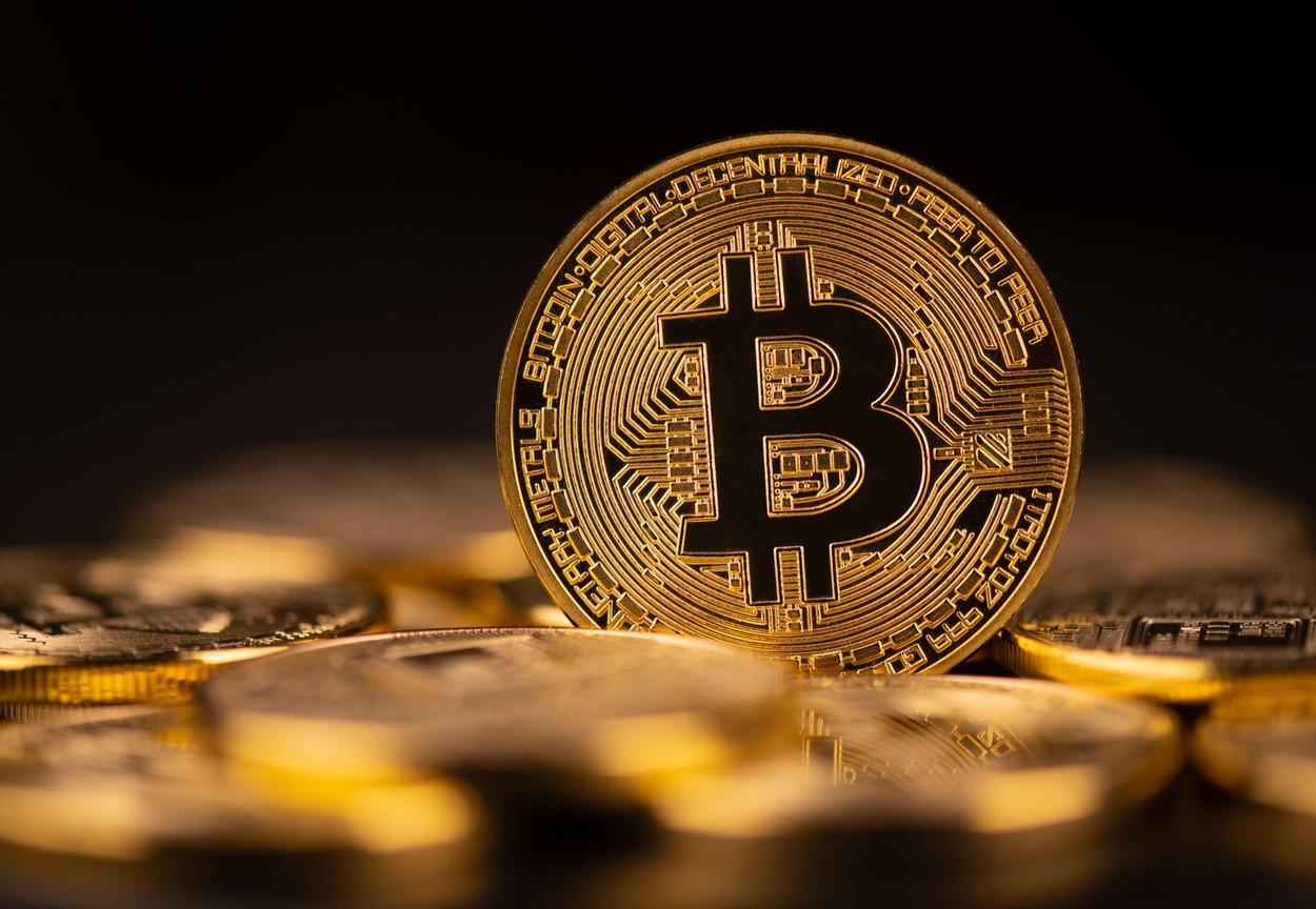 50 de dolari către bitcoin