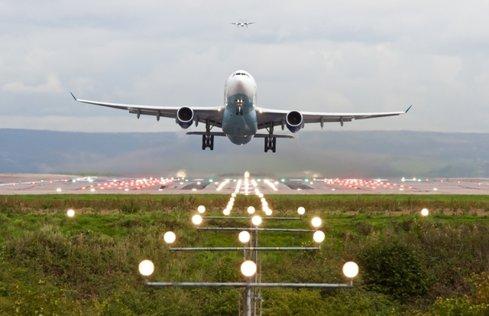 Un nou pariu pe România. Compania RonanAir din Ungaria va opera pe ruta Constanţa-Budapesta