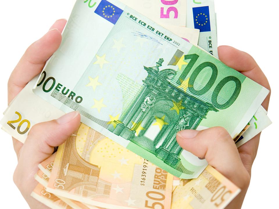 Cursul BNR. Cursul valutar euro al zilei de miercuri, 19 noiembrie 2014