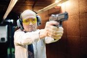 Cât te costă să tragi cu pistolul în Bucureşti, la poligonul UTI
