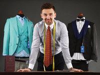 Povestea tânărului din Huşi care a transformat un magazin de 32 de metri pătraţi într-un business de un milion de euro