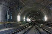 Elveţia: cel mai lung tunel din lume, construit de străini