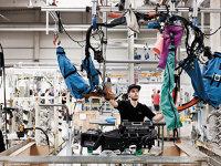 Dräxlmaier: Noile investiţii şi proiecte câştigate vor creşte producţia în fabricile noastre