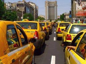 Transportatorii autorizaţi amână până după 16 aprilie protestele şi aşteaptă legiferarea activităţii Uber