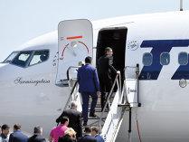 """După o inaugurare cu fast, Tarom ţine în """"garaj"""" cele două aeronave Boeing"""
