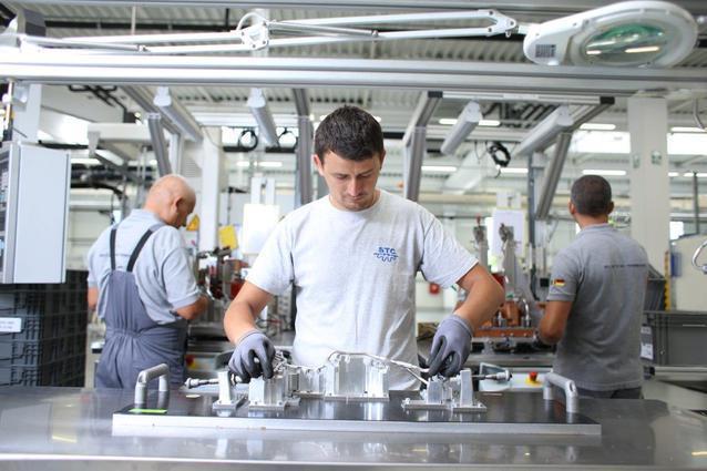 Reindustrializarea României. Cei mai mari zece jucători din industrie au afaceri de 53 de miliarde de lei, în creştere cu 4%. Cinci din zece sunt companii din sectorul auto