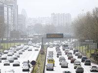 Marea Britanie se alătură Franţei şi cere interzicerea maşinilor pe benzină şi diesel după 2040