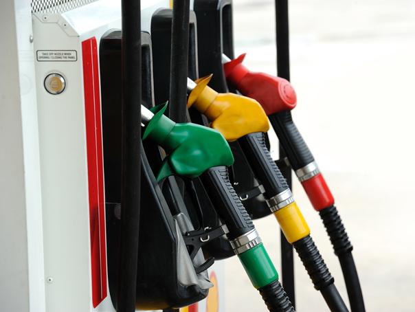 Transportatorii cer returnarea unui coeficient din supraacciza la benzină, după creşterea preţului la pompă
