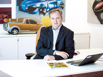 Pascal Candau, şeful centrului de inginerie al Renault: Vrem să angajăm 300 de ingineri. Căutăm oameni pasionaţi de maşini care vor să lucreze în echipă