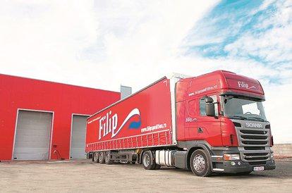 Un transportator rutier din Arad rulează peste 100 mil. lei din transportul mărfurilor pe 11 pieţe europene