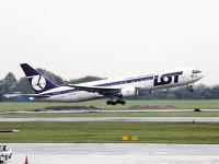 Premierul polonez va supraveghea direct compania aeriană fanion LOT