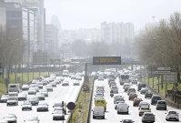 UE vrea reducerea emisiilor toxice pentru camioane grele şi autobuze