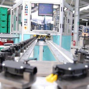 """Imaginea României """"auto"""": cel mai mare exportator din 15 judeţe este un producător din industria auto sau a componentelor auto"""