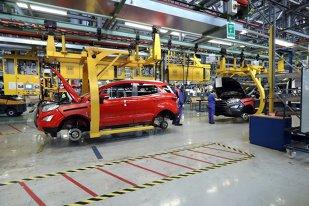 Este oficial: Tocmai s-a CONFIRMAT!! Ford dă LOVITURA de graţie pe piaţa din România. Mişcarea GIGANT de sute de milioane de euro făcută în premieră mondială se întâmplă în România