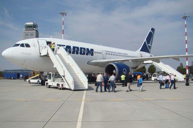 Tarom a găsit clienţi pe ruta Baia Mare - Bucureşti şi introduce două zboruri săptămânale. Gabriel Zetea, preşedintele CJ Maramureş: din noiembrie aceste curse vor deveni zilnice spune