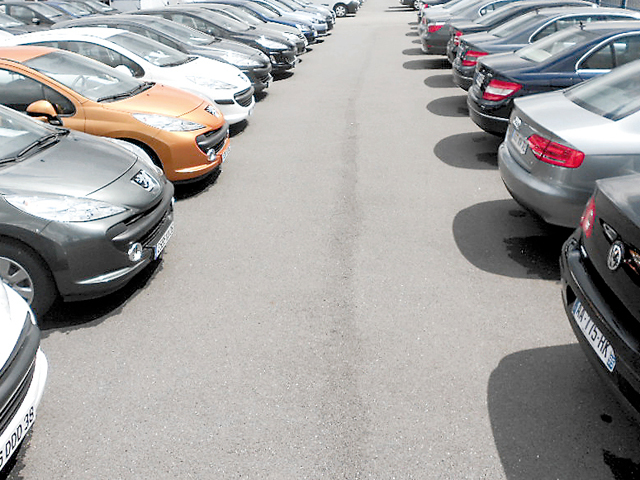 Efervescenţă pe piaţa auto: în august s-au vândut aproape 30.000 de maşini noi, de 2,3 ori mai multe decât în august 2017