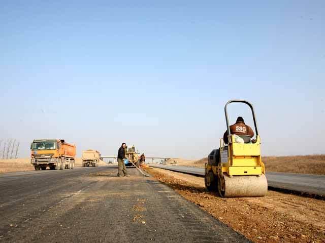 Cei 6 kilometri lipsă din autostrada Bucureşti-Ploieşti vor fi gata abia în 2015