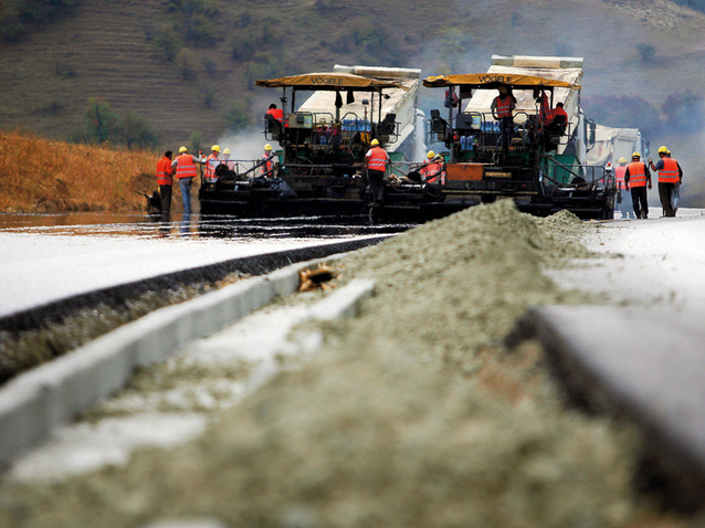 """O mie de kilometri de autostradă, """"cadoul"""" Uniunii Europene pentru România în următorii 10 ani"""