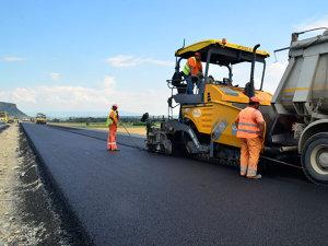 Au ajuns la vorba lui Băsescu: autostrăzile vor fi înlocuite de drumuri expres. HARTA cu cei aproape 3.000 de kilometri de şosele care vor costa 24 de miliarde de euro