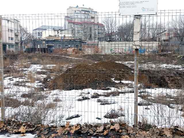 Un nou proiect imobiliar pe Bulevardul Unirii din Bucureşti este pus pe hârtie: planurile familiei Polec pentru un hotel şi un bloc pe un teren de 4.000 mp