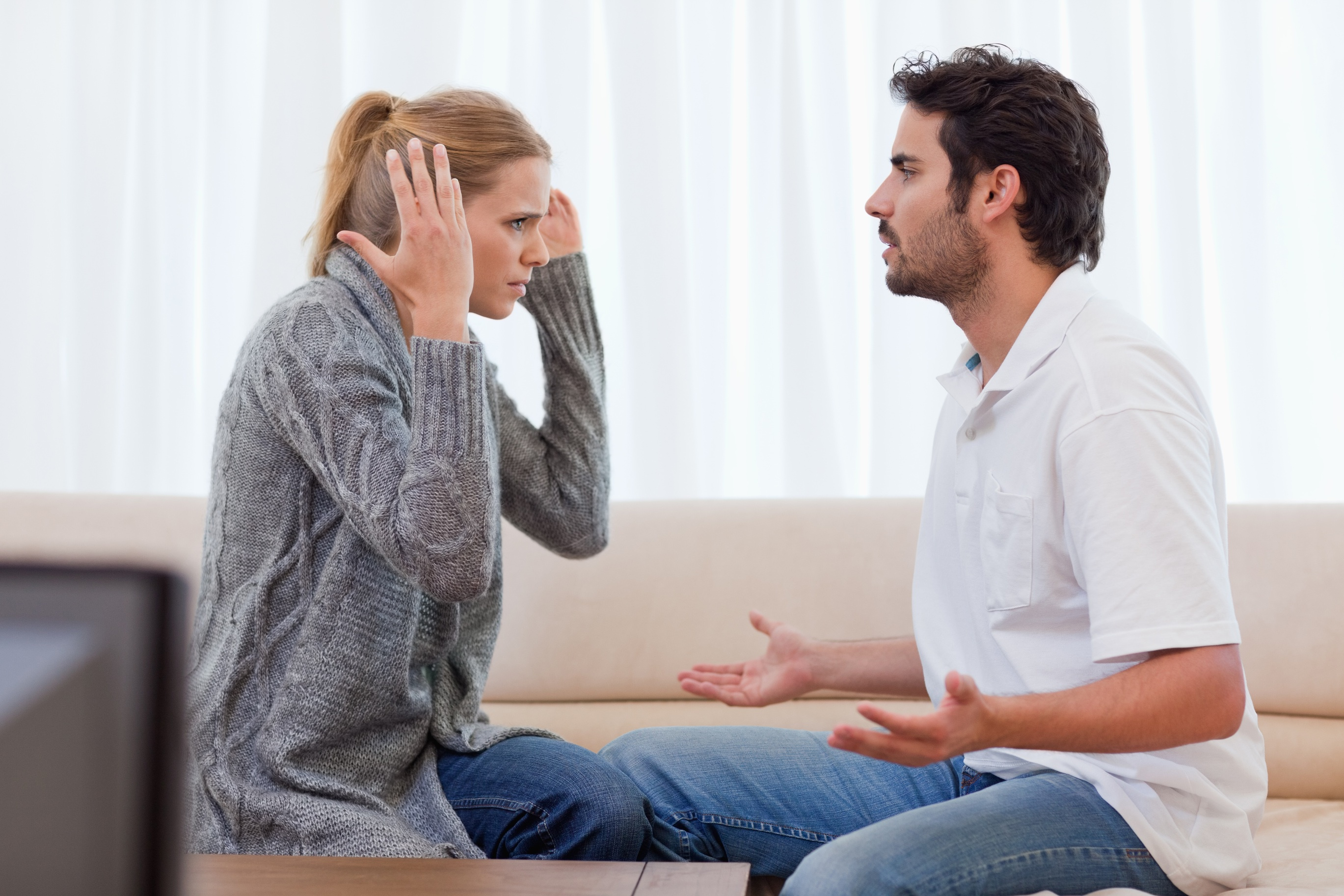 dating în timp ce trăiesc încă cu părinții