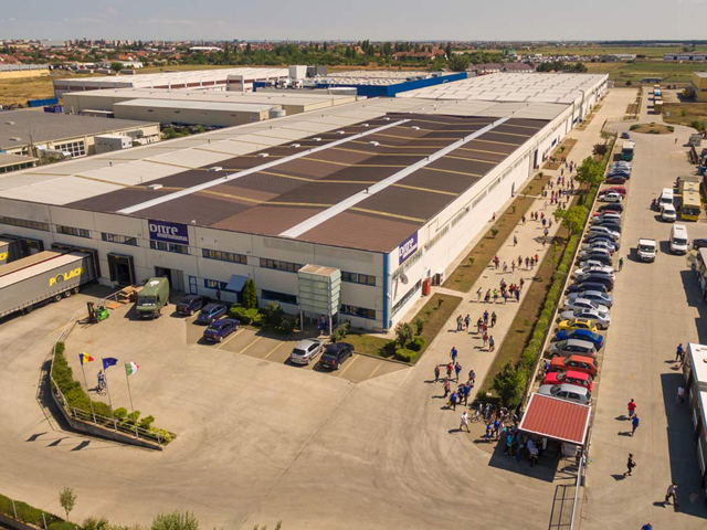 Producătorul de canapele Ditre International caută 150 de oameni pentru fabrica de la Arad