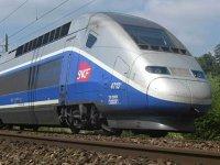 Discuţiile de fuziune dintre Alstom - Franţa şi Siemens - Germania lasă grupul Bombardier în aer