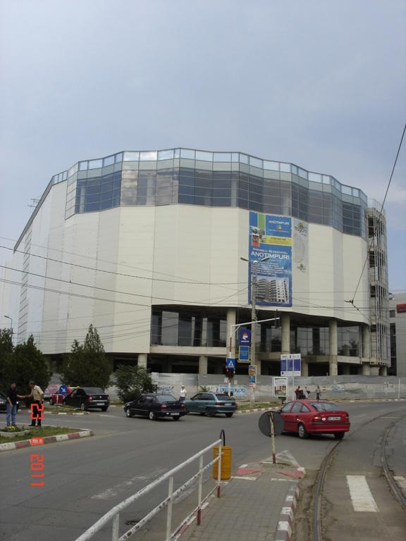 Uvertura Mall din Botoşani caută cumpărători, în timp ce actualii proprietari se contrazic cu administratorul judiciar şi cu creditorul