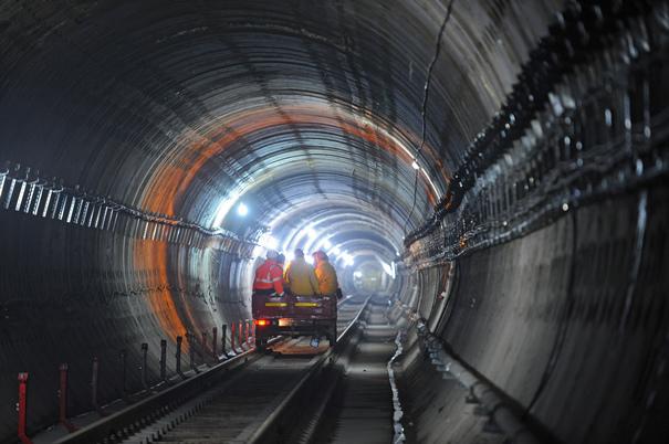 Ministerul Transporturilor a trimis cererea de finanţare către Comisia Europeană pentru metroul către Otopeni