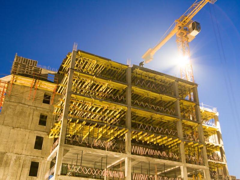 Trei Asociaţi Aşteaptă Autorizaţia De Construire Pentru A Ridica Un Bloc Cu 75 Apartamente Lângă