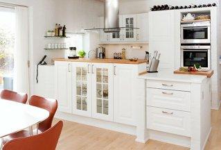 Românii dau între 3.000 şi 10.000 de euro pentru mobilier premium în băi şi bucătării