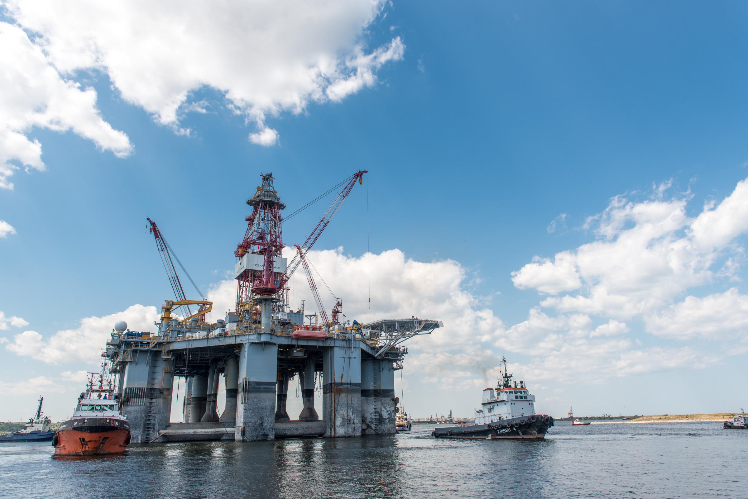 Petrom şi ExxonMobil dau drumul la un nou foraj în Marea Neagră. Cum arată monstrul care va săpa la adâncimi de 800 de metri?