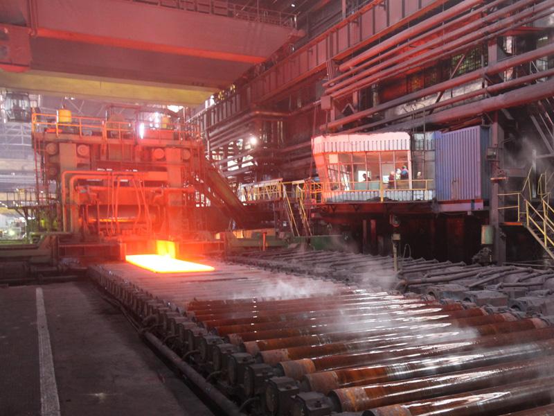 Producţia industrială a crescut în martie cu 10,3%, susţinută de industriei prelucrătoare şi furnizarea de energie