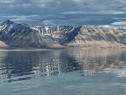 Conflictul pentru crabi dintre UE şi Norvegia are o miză ascunsă adânc: petrolul arctic