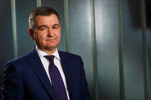 EY: Creşte apetitul pentru tranzacţii în industria de petrol şi gaze, iar optimizarea portofoliilor încurajează fuziunile şi achiziţiile