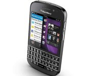 Orange aduce încă un smartphone 4G: BlackBerry Q10
