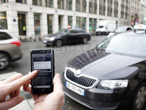 """Uber plăteşte şoferii cu 300 de lei pe zi pentru a fi taximetrişti """"de ocazie"""""""